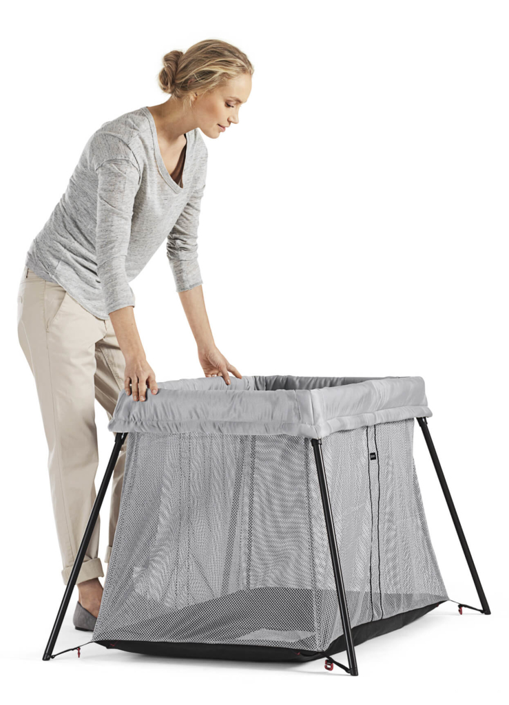 easy-to-store-carry-and-stow-in-any-baggage-space-travel-crib-light-babybjorn-739x1024