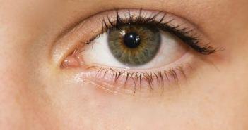 eye-1227705_1280