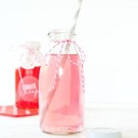 Rezept für Erdbeersirup mit Etikett