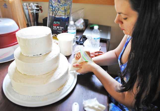 diy wedding cake pipping frosting