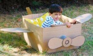 avion de carton - o lume de vis pentru copii din cutii de carton -