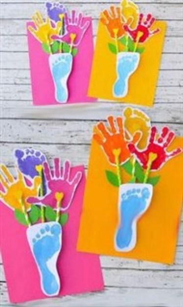 7 - 15 cadouri si felicitari pentru mama pe care le pot realiza copiii de 8 Martie