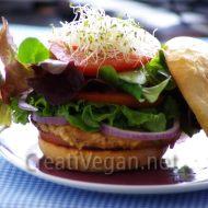 Hamburguesa de tofu, espinacas y espelta
