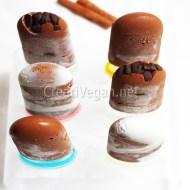 Polos de mousse de chocolate
