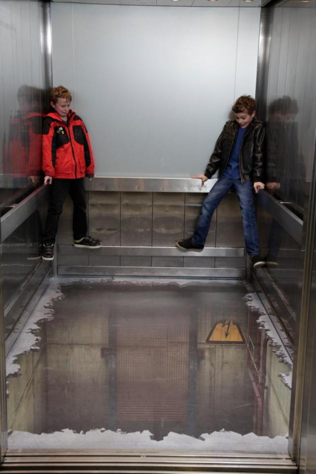 3D Optical Illusion Shocks London Shoppers in Guerrilla Campaign Guerrilla Marketing Photo