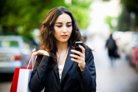 woman-running-errands-smartphone