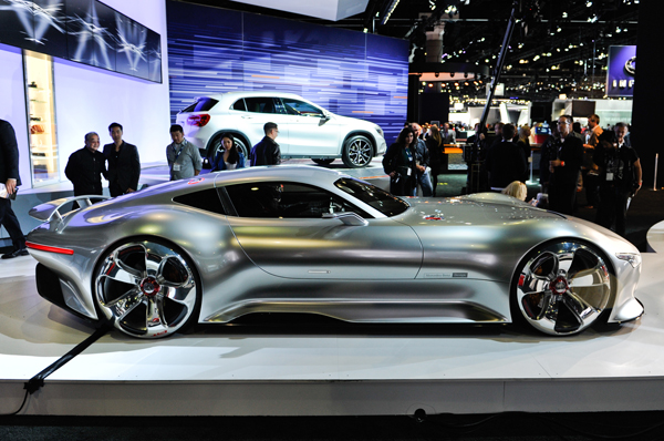 Mercedes-Benz-AMG-Vision-Gran-Turismo-Concept-side-view