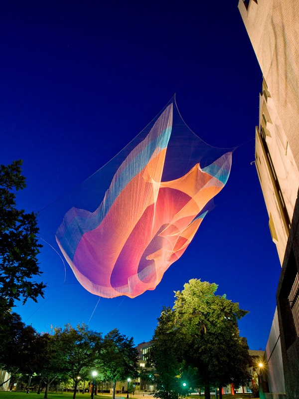 DEN_Echelman_PhotoPeterVanderwarker_3971_-YYMGJH_cr2
