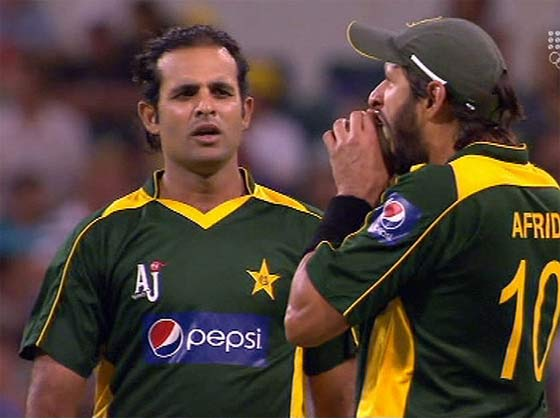 Ball biting incident by Shahid Afridi, one of the top 10 cricket controversies