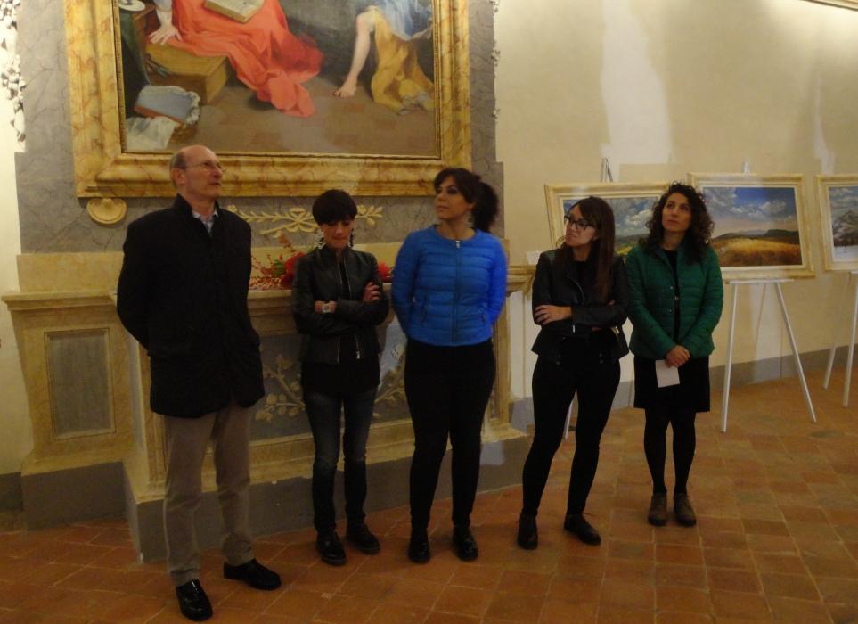 """Inaugurata alla Chiesa dei Laici la mostra personale di Patrizia Pastorelli. Stirati: """"Forte il suo legame con Gubbio"""""""