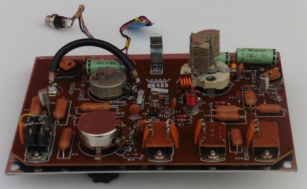 highkit_fm_signal_generator_uk460_04