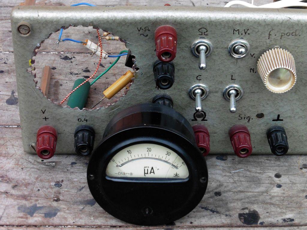 signal_generator_voltmetar_ommetar_11