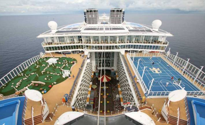Celebrity cruise line tracker