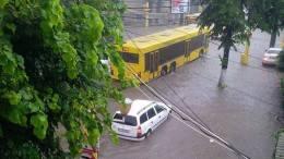 Strada inundată la Constanța. FOTO Auris Luca