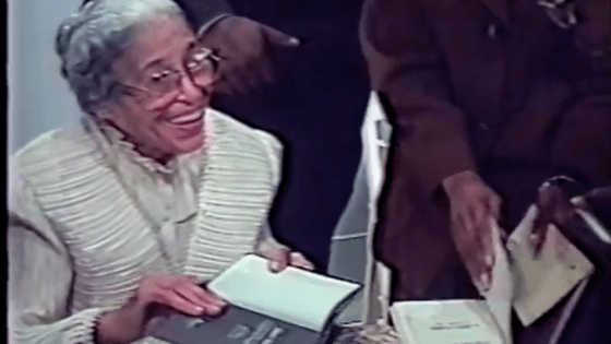 Rosa Parks at her 1998 Chicago book signing