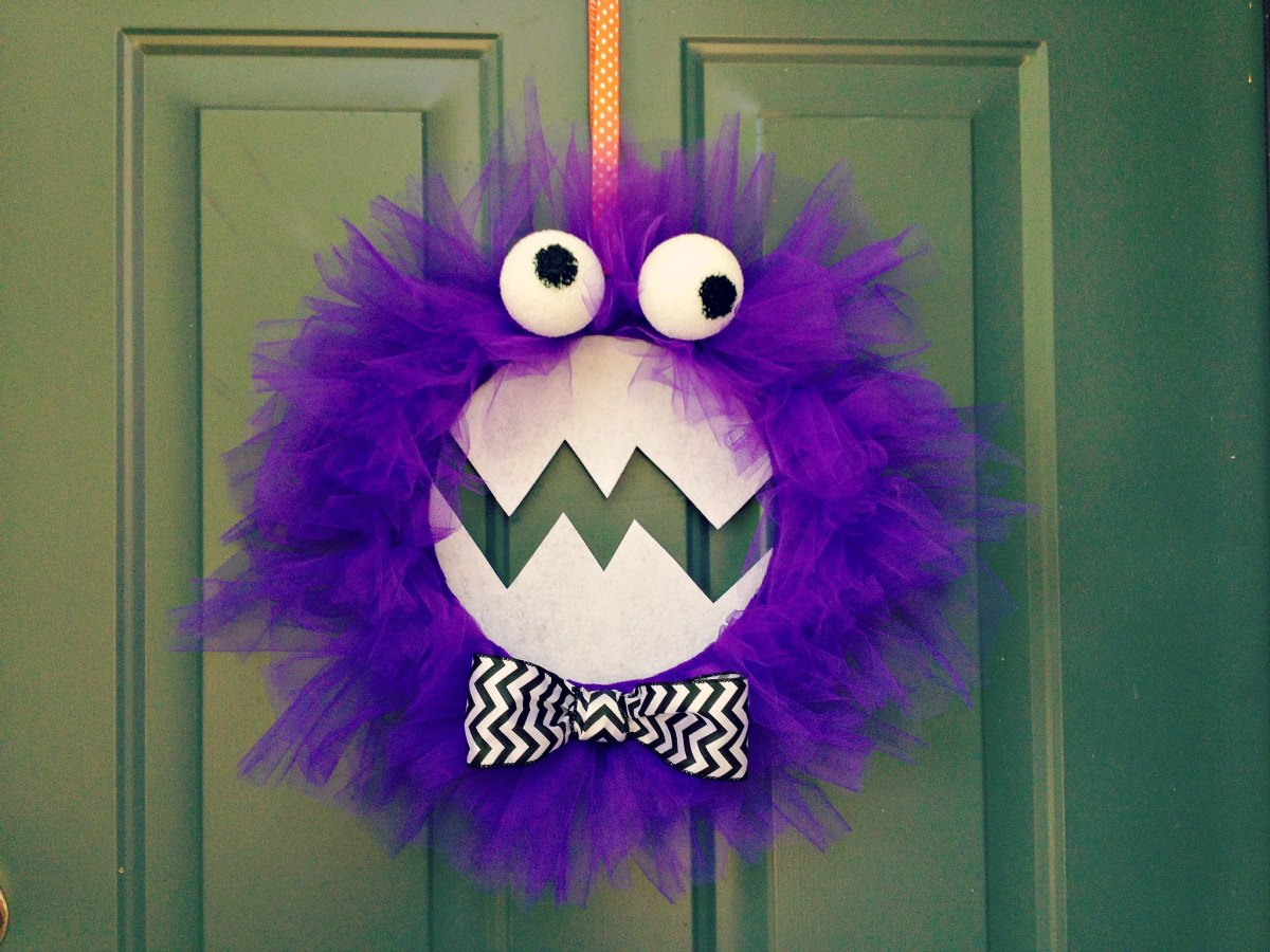 DIY Purple People Eater Monster Halloween Wreath