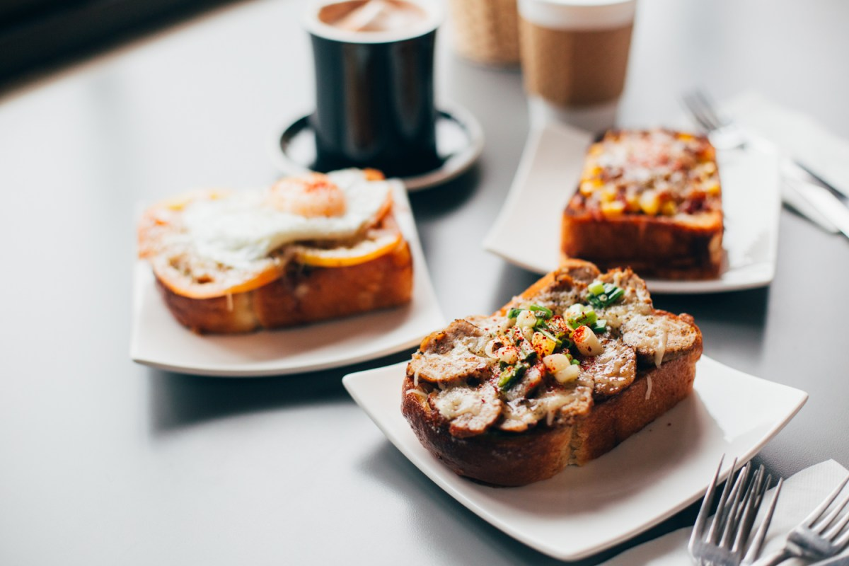 Home Cafe: Thick Toast Heaven