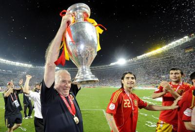 Aragonés ganó la Eurocopa 2008, cortando una racha de 44 años sin títulos para España.