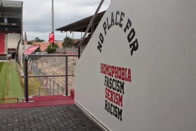 Los mensajes en Millerntor-Stadion, el estadio del ST Pauli