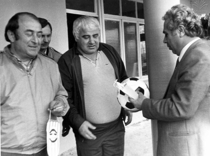 Akhalkatsi, en el medio, el primer gran DT del Tbilisi.