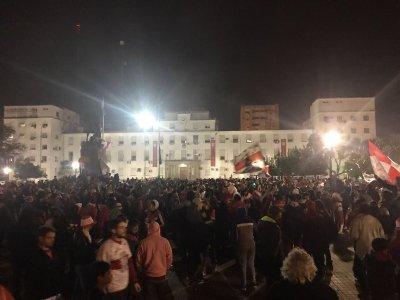 El pueblo de Morón festejando en la plaza