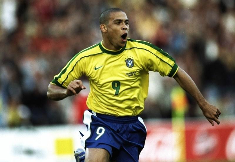 Ronaldo en 1998, entre goles y un ataque cardíaco