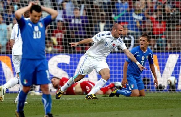 Italia se despidió rápido en el 2010.