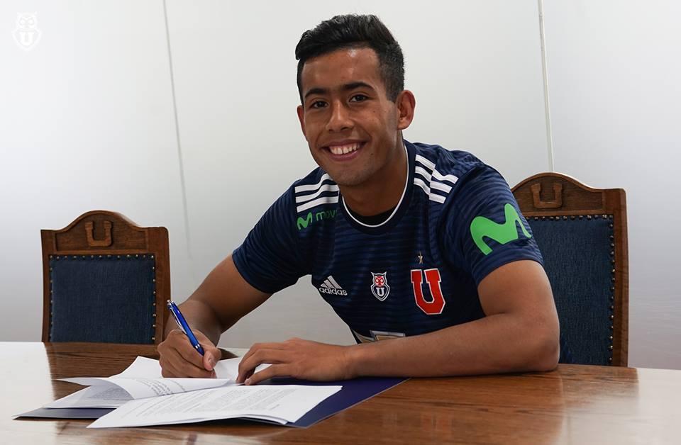 A los 18 firmó su primer contrato con la U