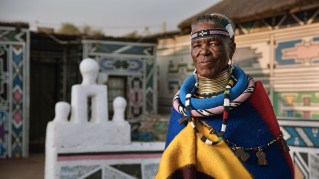 BMW-740Li-Esther-Mahlangu-15