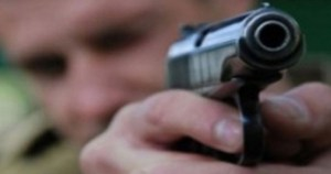 FHN generalı polis zabitinə silah çəkdi – Bakıda silahlı insident