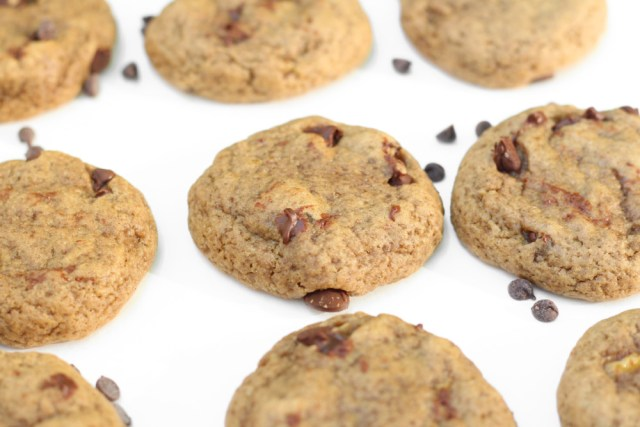 Chocolate Chip Banana Cookies – with the perfect hint of cinnamon