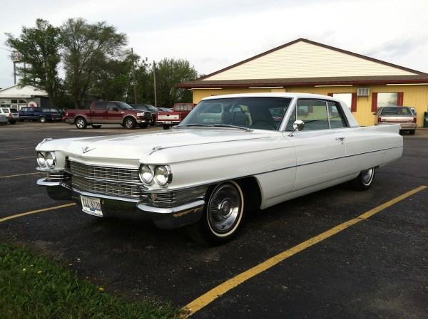 1963_62series_cadillac_2door_coupe02