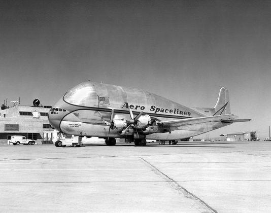 Boeing b 377 Pregnant_Guppy_NASA