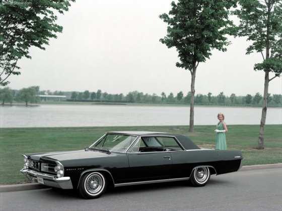 Pontiac-Grand_Prix_1963_800x600_wal