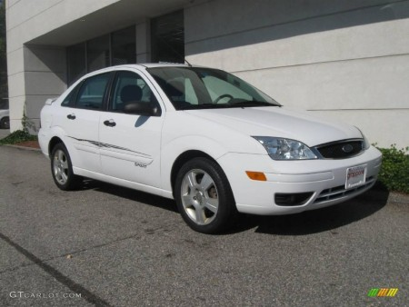 NOTE 2005 Focus SE : Same car per specs, but not the one at today's sale.  Picture Courtesy GTCarlot.com