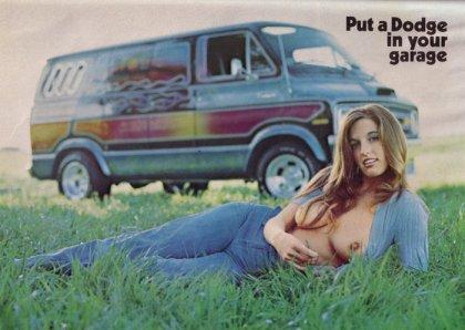 Van dodge playboy-10