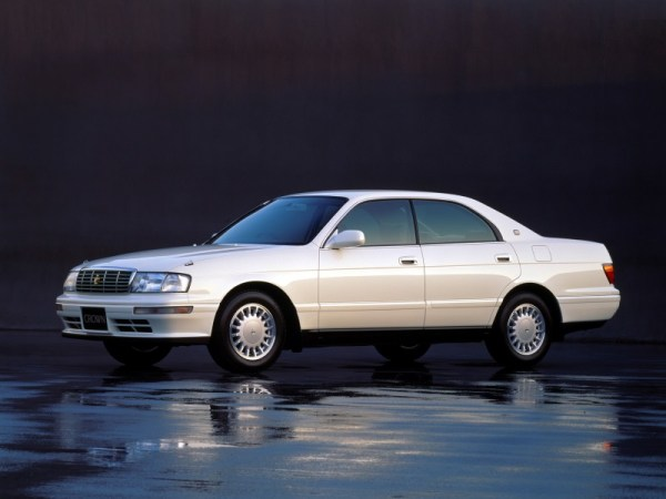 Toyota Crown factory photo
