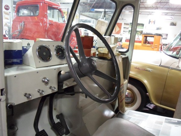 1962 International CH 90 interior