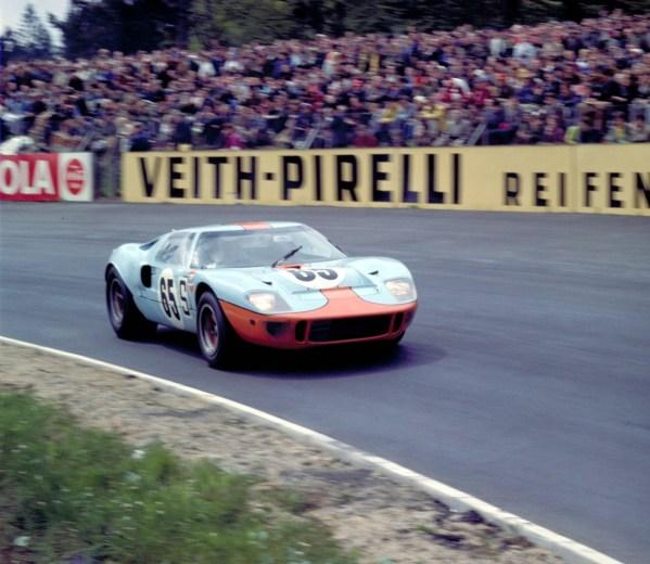 1968_Ford_GT40MarkIGulfOil-0-2048