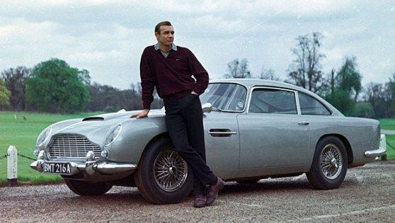 Sean Connery_with_1964_Aston_Martin_DB5