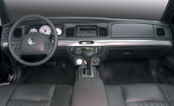 2004-mercury-marauder-interior-photo-352899-s-1280x782
