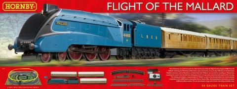hornby-r1171-flight-of-the-mallard-train-set-with-lner-class-a4-4-6-2-mallard-steam-locomotive-3-teak-coaches_-9114-p