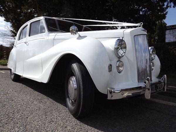 1950_Vanden_Plas_Princess_DS2_Saloon