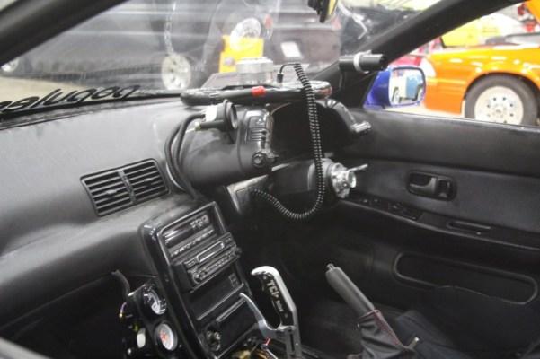 1991 Nissan Skyline interior