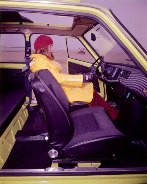 Renault 5 int-11