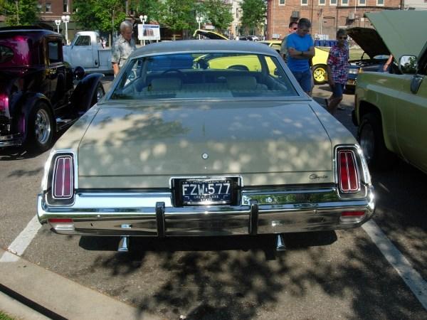 1974ChryslerNewport02