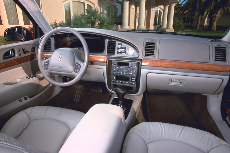 Curbside classic 1995 2002 lincoln continental in pursuit of the pursuer for 2015 lincoln continental interior
