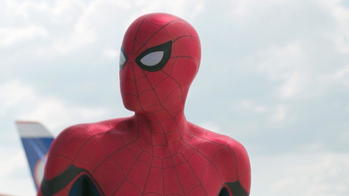 a-classic-piece-of-peter-parkers-costume-is-back-in-spider-m_gfrt