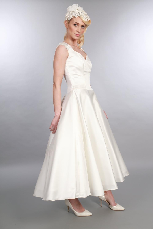 60s wedding dress 60's wedding dress s Cream Lace Short Wedding Dress Mad Men Fashion Summer Wedding Size Small