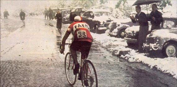 Cycleboredom   Retrofetish: Charly Gaul - The 1956 Giro d'Italia - Encouragement